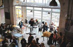 ✖ La REcyclerie, 83 boulevard Ornano 75018 Paris Pubs And Restaurants, Restaurant Lighting, Shop Around, Amsterdam, Around The Worlds, France, Bar, Places, Interior