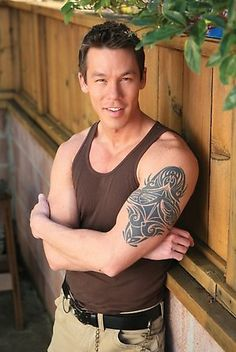 One of my favorite HGTV Designers David Bromstad!