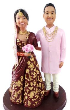 The original custom wedding cake topper! Since we have created thousands of custom wedding cake toppers for brides and grooms all over the world. This custom Indian wedding cake topper is customized with your faces, hairstyles, head wear, hats and Indian Cake, Indian Wedding Cakes, Country Wedding Cakes, Floral Wedding Cakes, Elegant Wedding Cakes, Cool Wedding Cakes, Rustic Wedding, Funny Wedding Cake Toppers, Custom Cake Toppers