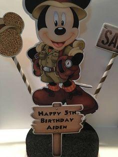 Centro de mesa de cumpleaños de Mickey Safari