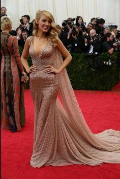 Blake Lively no es la princesa con estilo de Gucci que ella sueña ser en la Gala del MET 2014