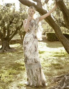 Sous Le Soleil De Saint-Tropez | Kate Moss | Sonia Sieff #photography | Elle France N°3478 24th August 2012