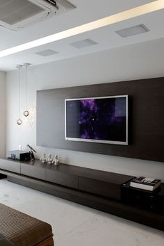 TV wall with pendants: