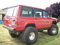 Isuzu trooper image by SwitchbackIOC on Photobucket - Everything About Off-Road Vehicles Honda Passport, Small Campers, 4x4 Off Road, Four Wheel Drive, Car Engine, Camper Trailers, Land Rover Defender, Cars And Motorcycles, Offroad
