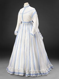John Bright Collection [unknown province] white and blue striped sheer cotton day dress, circa 1800s Fashion, 19th Century Fashion, Victorian Fashion, Fashion Goth, Victorian Era, Vestidos Vintage, Vintage Gowns, Vintage Outfits, Vintage Hats