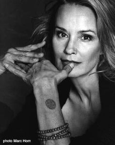 """I think that she's better now, than she was 30 years ago. I absolutely ADORE this woman.(Jessica Lange aka Constance Langdon/Sister Jude Martin on """"American Horror Story""""). Pretty People, Beautiful People, Simply Beautiful, Absolutely Stunning, I Look To You, Actrices Hollywood, Ageless Beauty, Jolie Photo, Portraits"""