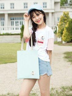 South Korean Girls, Korean Girl Groups, Lee Seo Yeon, Extended Play, Asian Beauty, Cool Girl, Dancer, Bubbles, Kpop