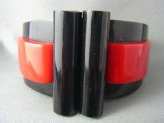 Vintage Art Deco French Bakelite Red Black Hinged Bangle