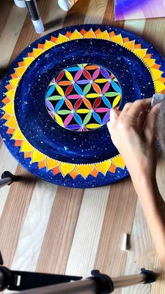 by Victoria Linnen Art Mandala Drawing, Flower Mandala, Victoria, Instagram, Painting, Tutorials, Tips, Art, Painting Art