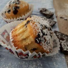 Θέλετε συνταγή για τα πιο ζουμερά  μάφιν πορτοκαλιού🍊με κρέμα τυριού & σταγόνες σοκολάτας 🧡🍫 Η συνταγή στο elpidaslittlecorner.gr  #orange #orangemuffin #muffin  #chocolate #moistchocolatecake #creamcheese #myrecipe #elpidaslittlecorner #moodoff Muffin, Breakfast, Food, Morning Coffee, Essen, Muffins, Meals, Cupcakes, Yemek