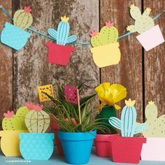 paper projects Use our templates to create your own adorable and easy paper cactus garland, which you can use as event decor for a Cinco de Mayo party or birthday fiesta! Summer Crafts, Diy And Crafts, Crafts For Kids, Paper Crafts, Summer Art, Summer Kids, Resin Crafts, Felt Crafts, Decoration Cactus