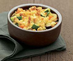 Facile à réaliser et économique, découvrez notre recette du crumble aux légumes.