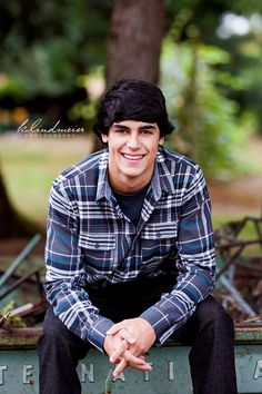 Great senior boy shot! K.Lindmeier Photography  #seniorboy #seniorphotography #seniorportraits #seniorboyportraits