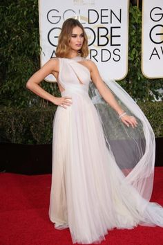 Lily James in Marchesa - Golden Globes 2016 Lily James, Oscar Dresses, Gala Dresses, Red Carpet Dresses, Special Dresses, Celebrity Red Carpet, Red Carpet Looks, Downton Abbey, Red Carpet Fashion