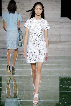 Salvatore Ferragamo Spring 2018 Ready-to-Wear Fashion Show Trends, Spring Summer 2018, Salvatore Ferragamo, Catwalk, Ready To Wear, Fashion Show, Runway, White Dress, Short Sleeve Dresses
