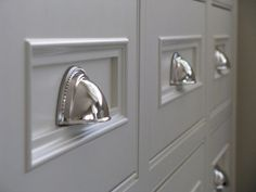 beautiful kitchen drawer pulls
