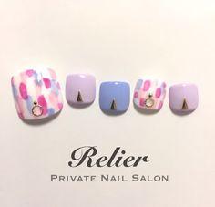 New ideas nails spring design toe Feet Nail Design, Toe Nail Designs, Pedicure Nail Art, Toe Nail Art, Stylish Nails, Trendy Nails, Summer Toe Nails, Feet Nails, Japanese Nails