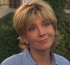 Elizabeth James is one of the deuteragonists in the 1998 remake of The Parent Trap (the other. Beautiful Old Woman, Beautiful Lips, Gorgeous Makeup, Natasha Richardson, Grown Out Pixie, Parent Trap, Fear Of Flying, Ex Husbands, Elizabeth And James