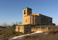 Oquillas, provincia de Burgos Panorámica de la iglesia románica de San Cipriano, Románico del Esgueva #oquillas #románico #burgos #esgueva