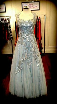 Embroidered gown by Karro Beautiful Dresses, Nice Dresses, Formal Dresses, Awesome Dresses, Blouse Dress, Dress Up, Dressed To The Nines, Kinds Of Clothes, Dream Dress