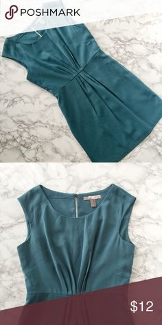 Turquoise Love 21 Dress Turquoise dress from Forever21, perfect for work. Keyhole detail at back with button closure at neck. Missing belt. ★ measurements available upon request ★ reasonable offers considered ★ no trades Forever 21 Dresses