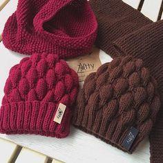 """""""Любимые ягодки❤️, коричневый комплект выполнен на заказ, малиновый СВОБОДЕН‼️ шапка+снуд(в один оборот)- 2050₽ #zottyknittingworkshop #zotty_вналичии…"""""""