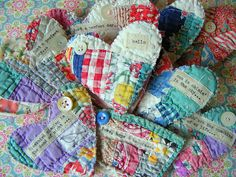 No tutorial, but sweet idea for using irreparable old quilts - little patchwork hearts embellished with buttons Old Quilts, Small Quilts, Mini Quilts, Vintage Quilts, Vintage Fabrics, Quilting Projects, Sewing Projects, Quilting Ideas, Scraps Quilt