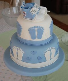 Baby Shower Cake WASC, Michele Fosters fondant, and IMBC with raspberry filling. Torta Baby Shower, Baby Shower Pasta, Baby Shower Cakes For Boys, Baby Boy Cakes, Baby Shower Fun, Baby Shower Themes, Fun Baby, Baby Shawer, Shower Ideas