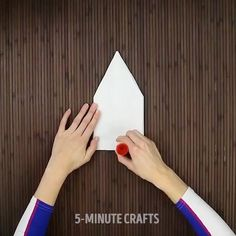 """11.7k Likes, 31 Comments - DIY TUTORIALS  EVERYDAY (@diy.life.ftw) on Instagram: """"By@5.min.crafts Follow: 🌟🌼 @viral.makeup.tips 💞 Follow: 🌟🌼 @viral.nail.fe"""
