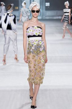 Foto GVCH2014 - Giambattista Valli Couture Herfst 2014 (1) - Shows - Fashion - VOGUE Nederland