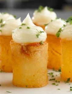 :O Patatas Bravas/ Sergi Arola :) Knafe Recipe, Food Decoration, Appetisers, Antipasto, Creative Food, Food Presentation, Food Plating, Appetizer Recipes, Gourmet Appetizers
