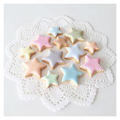 cbonbon_sugarcookies: #starcookies #icingcookies #decoratedcookies #sugarcookies #cookies #royalicing #cbonbon #customcookies #アイシングクッキー #クッキー #星