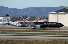 "https://flic.kr/p/buNsKi | Special Livery - Air New Zealand, Boeing 777-300ER  ""All Blacks"" | LAX Feb. 16, 2012 Starting it's takeoff run."