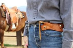 this would be a great set-up for a small arms holster. I agree. Think I'll make one for my left handed cross draw holster. Leather Knife Sheath Pattern, Leather Pattern, Leather Holster, Leather Pouch, Knife Holster, Holsters, Belt Knife, Cross Draw Holster, Leather Tooling Patterns