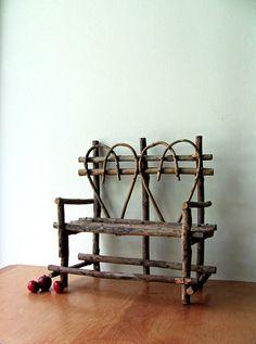Verkauf Jahrgang Zweig Herz Bench Valentinstag Miniatur Holz Stuhl Wicker hölzerne Puppe Möbel Holz Sitzgelegenheiten Home Dekor, rustikalen Akzent robust