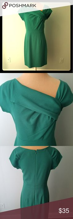 JCrew Wear to Work Asymmetrical Green Dress, Sz 6 From the wear to work collection this asymetrical collar dress has a full zip back and back slit. Excellent condition, gently worn and dry cleaned. 👚 J. Crew Dresses Asymmetrical