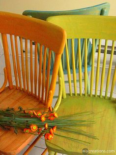 to do ~ perfect colors. could paint table and chairs. Painted Chairs, Painted Furniture, Bright Decor, Bright Homes, Green Theme, Old Chairs, Eclectic Decor, Green And Orange, House Colors