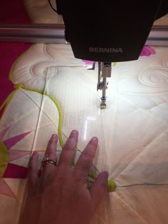 Don& let those rulers intimidate you! Get award winning quilter Lisa Calle& Tips for Longarm rulerwork from WeAllSew. Quilting Rulers, Longarm Quilting, Free Motion Quilting, Quilting Tips, Quilting Tutorials, Machine Quilting Patterns, Quilting Templates, Quilt Patterns, Sewing Patterns