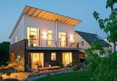 Das Fertighaus Modell Frankenberg präsentiert sich außen mit Pultdach und einem Klinker-Putz Fassadenmix und innen mit einer außergewöhnlichen Wohnraumaufteilung sowie einem durchdachten Energiekonzept. Raumgrundfläche gesamt: 142,80 qm