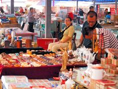 Chengdu, a walk in a second hand market http://travelasia.guide/chengdu/