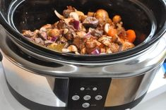 Boeuf Bourguignon i Crock pot Kitchen Confidential, Dinners For Kids, Slow Cooker Recipes, Food Network Recipes, Healthy Dinner Recipes, Food And Drink, Ethnic Recipes, Crock Pot, Night Style