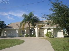 505 SE 21st St Cape Coral - 4 Bedrooms, 2 Bathrooms :: Home for sale in Cape Coral, FL MLS# 201145636. Learn more with RE/MAX Realty Team