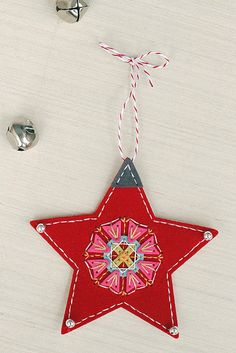 Star Ornament with Medallion Embellishment by Erin Lincoln for Papertrey Ink (November 2015)