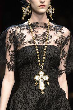 Dolce & Gabbana  Espectacular collar
