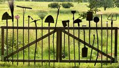 How fab is this! Repurposed garden tools fence/gate perfectly old worn and Gardening For Beginners, Gardening Tips, Organic Gardening, Flower Gardening, Container Gardening, Gardening Quotes, Hydroponic Gardening, Old Garden Tools, Look Wallpaper