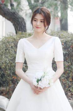 Beautiful Asian Women, Beautiful People, Kpop Fashion, Girl Fashion, Ga In, Asian Beauty, Korean Beauty, Asia Girl, Korean Actresses