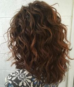 Mid-Length Curly Layered Haircut Wavy Hair, Wavey Hair, Hair Weaves, Beach Waves, Crimped Hair, Wavy Hairstyles, Wave Hair