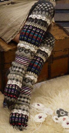 Ankortit: 3 paria sukkia
