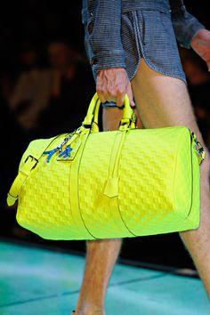 It shines like paint, daddy, it's our summer - Louis Vuitton Spring 2013 NEON Bag Lv Handbags, Handbags Online, Handbags Michael Kors, Louis Vuitton Handbags, Fashion Handbags, Michael Kors Bag, Fashion Bags, Fashion Trends, Vuitton Bag