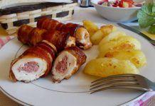 Rulouri din piept de pui, umplute cu cascaval, invelite in bacon Chicken Recepies, 20 Min, Bacon, Dinner Dishes, Pretzel Bites, Sushi, Sausage, Pork, Meat